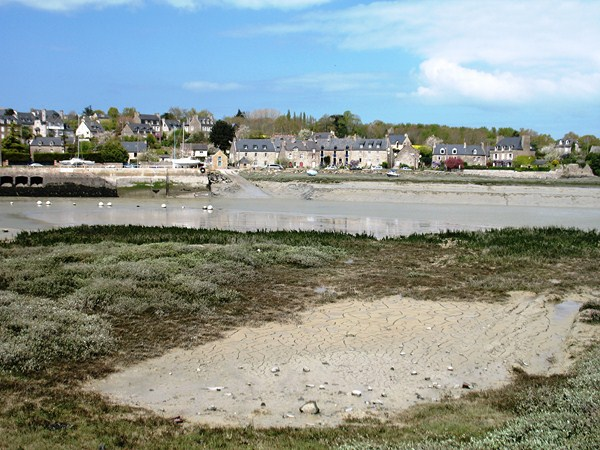 estuary historic villages emerald coast brittany walking trip